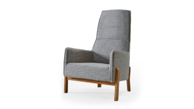 DOOS. Aurora B01 armchair in wood.